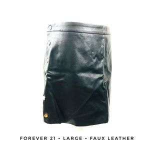 H&M Women's Large Black faux leather skirt goth